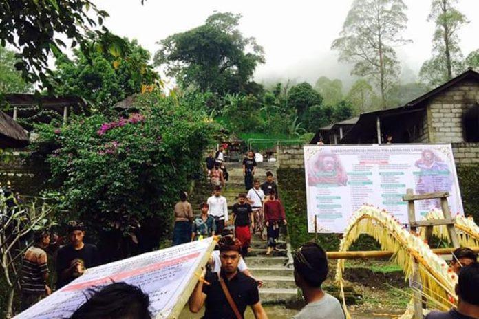 Pujawali digelar di Pura Kawitan Mahagotra Catur Sanak Pasek Kayuan.