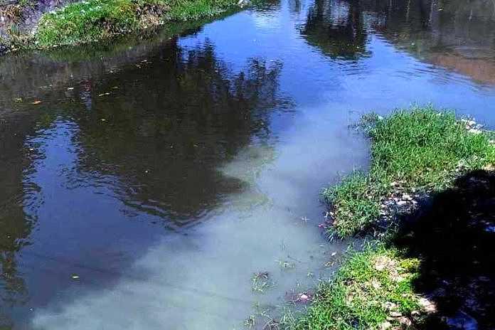 Dua Tahun Pencemaran Limbah Cair di Kuta Belum Tertangani