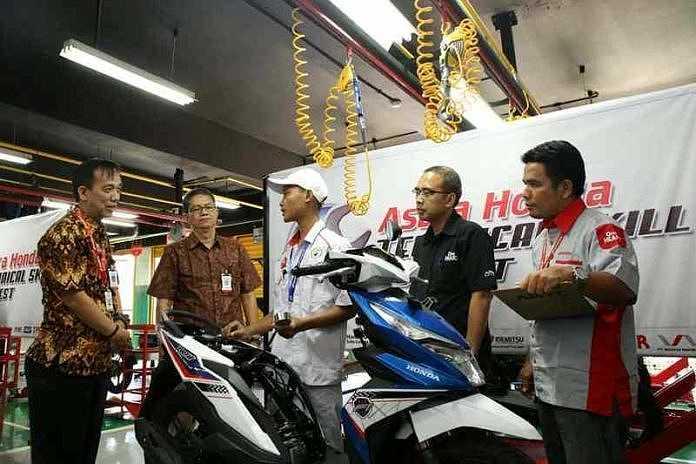 AHM menggelar Kompetisi Teknik Sepeda Motor Honda untuk pelajar SMK. (BP/ist)