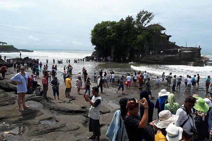 2018 Tanah Lot Targetkan 3 Juta Kunjungan Wisatawan Balipost Com