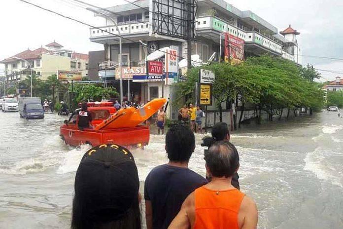 Seminyak Dan Legian Terendam Banjir Wisatawan Dievakuasi