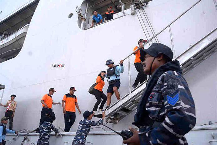 Tingkatkan Soliditas Antar Instansi Tni Al Latihan Evakuasi Melalui