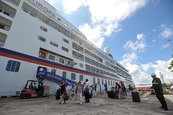Permintaan Sandar Kapal Cruise Makin Tinggi Paket Wisata